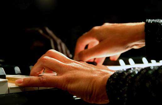 Trik menjadi guru piano yang handal