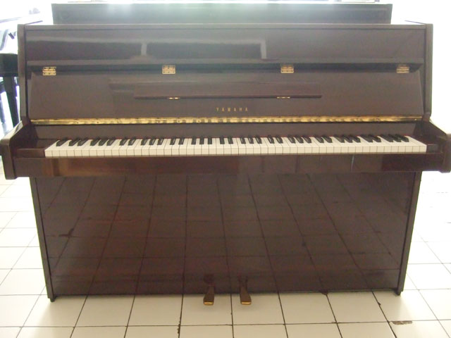 Piano Yamaha LU80PM