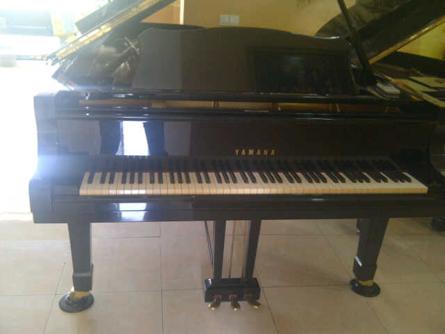 Grand Piano Yamaha Type CF RumahPiano.com