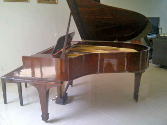 Piano-Steinway-and-Sons-type-O-keseluruhan