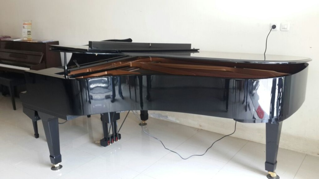 Yamaha Grand DC 7 samping