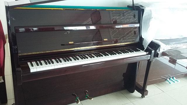 Gambar Piano Steinway & Sons type Z114
