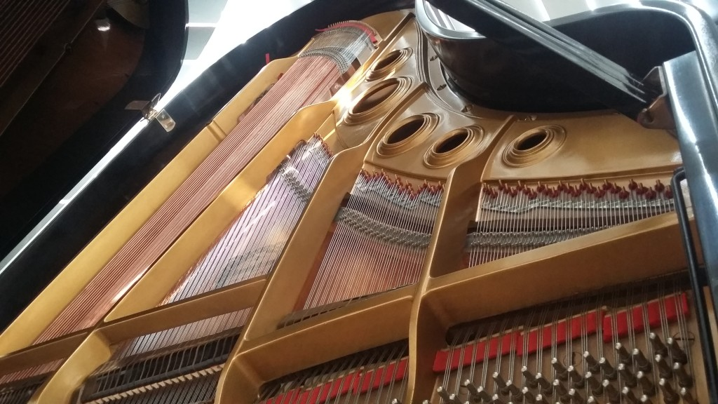 Jual Piano Grand Yamaha Type C5 samping