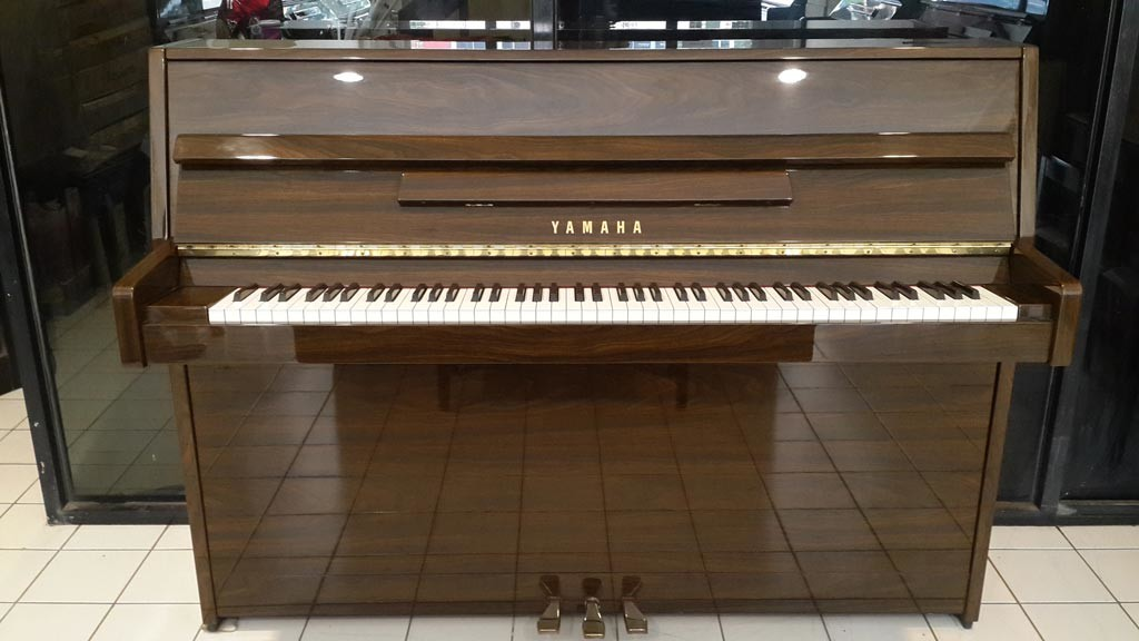 Piano-Yamaha-LU90PW